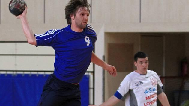 Házenkáři ELP Jablonec (v modrém) zakončili sezonu domácím vítězstvím nad Lovosicemi B.