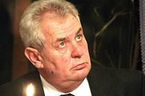 Miloš Zeman Jablonecko navštívil v minulosti už několikrát. Podpořit Jiřího Paroubka v politickém tažení, s autobusem Zemák i diskutovat s podnikateli.