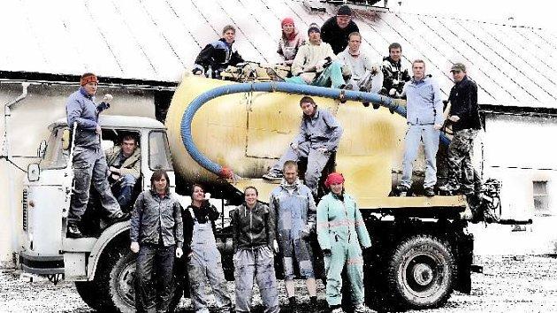 Před uzávěrkou chtějí zabodovat ještě ze střední školy lesnické Harrachov, nástavbové studium, obor podnikání, třída N2.