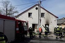 V Kokoníně hořel bytový dům.