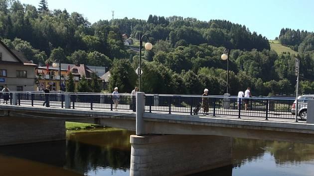 Most přes Jizeru v Železném Brodě