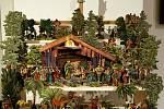 TRADIČNÍ VÝSTAVU BETLÉMŮ v kostele Svaté Anny v Jablonci nad Nisou otevřeli svým vystoupením jablonečtí Vrabčáci a folklórní soubor Hořeňák Lázně Bělohrad.