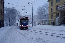 Sněhová nadílka v ulicích Jablonce nad Nisou.