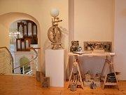 KRAJSKÁ PŘEHLÍDKA VÝTVARNÝCH OBORŮ základních uměleckých škol Oči dokořán se koná v kostele svaté Anny v Jablonci nad Nisou až do poloviny června.