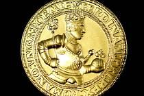 Česká mincovna razí repliky historických platidel. Na snímku dukát Ferdinanda I., ražený v roce 2009