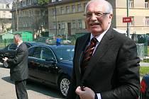 Prezident České republiky Václav Klaus přijel na gymnáziu Dr. Randy.