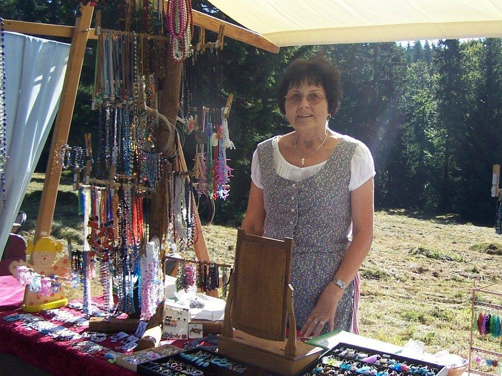 V osadě Kristiánov v Jizerských horách pořádá Muzeum skla a bižuterie Mariánskou sklářskou pouť.