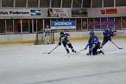 Hokejová liga staršího dorostu HC Vlci - Kralupy n. Vltavou 4:2. Vlci v bílých dresech.