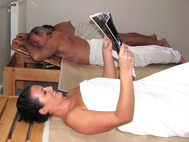 O tom, že je saunování příjemné, jeho vyznavači nepochybují.