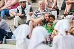 Dětský pěvecký sbor Iuventus Gaude! a taneční soubor při ZUŠ vystoupili 6. června v Jablonci nad Nisou v rámci hudebního festivalu Město plné tónů 2018.