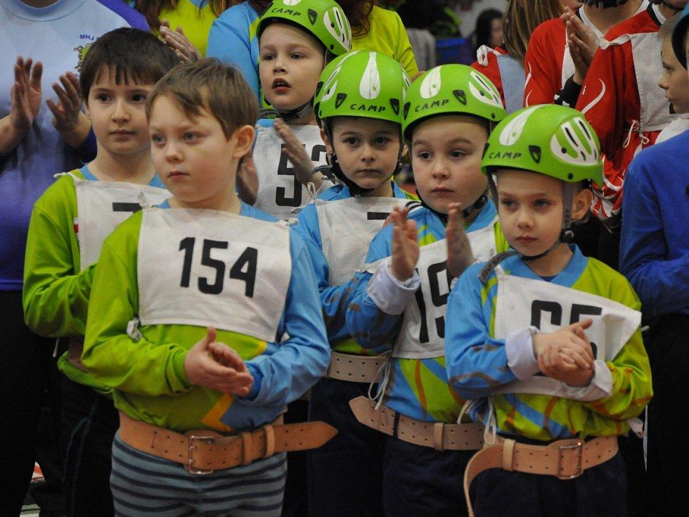 Závody malých hasičů v jablonecké hale