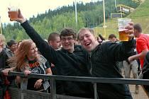 Harrachovský hudební festival Keltská noc 2011 a páteční vystoupení skupiny Totální nasazení.