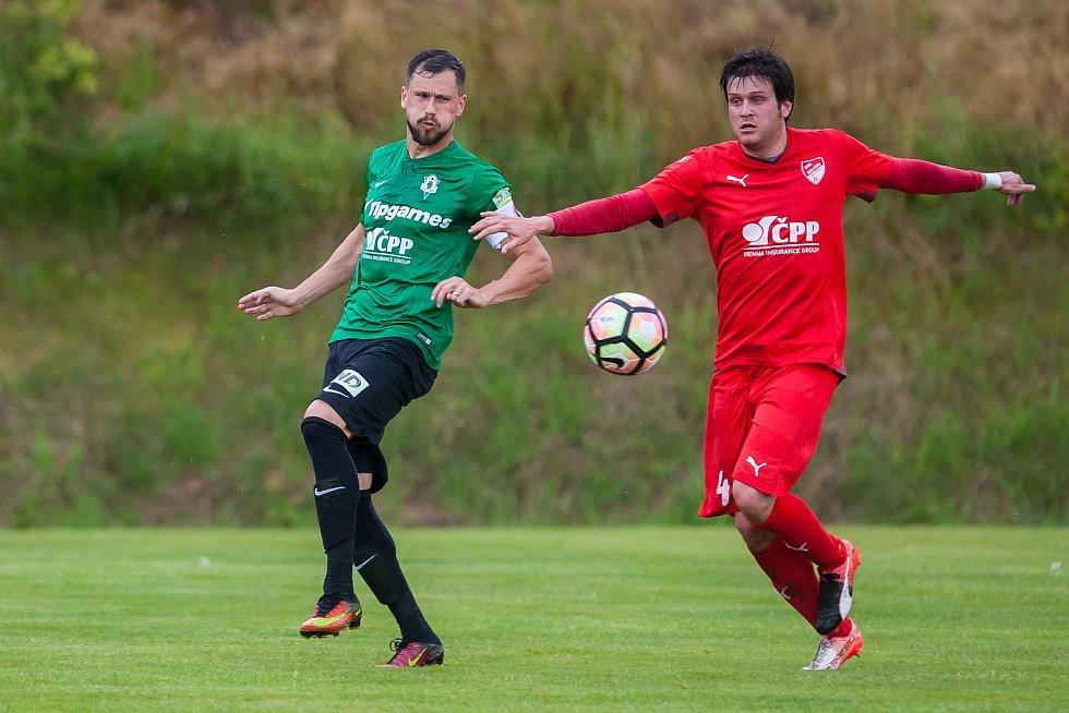 Přátelské fotbalové utkání mezi týmy FK Jablonec a FK Jiskra Mšeno se odehrálo 12. července v Rychnově u Jablonce nad Nisou. Na snímku vlevo Jaroslav Diviš.
