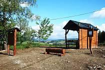 Jedno z nových odpočinkových míst na Tanvaldsku.