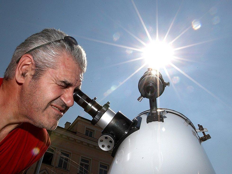 Pozorování Slunce pro veřejnost.