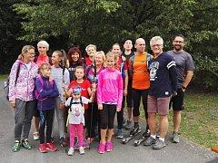 Běžecká skupina kolem Jiřího Suchardy nabízí další zajímavou aktivitu, tentokrát pro milovníky chůze.