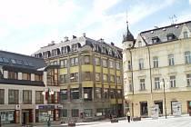 Centrum Jablonce, Mírové náměstí, kavárna Jizera.