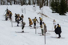 Tradiční sjezd lyžníků. Ilustrační foto.