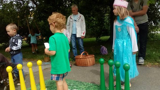 U jablonecké přehrady se konala akce pro děti Pohádková přehrada, kterou pořádalo MC Jablíčko. Děti si užily zábavu na startu a následně se vydaly na cestu za pohádkovými bytostmi.