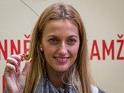 Tenistka Petra Kvitová (na snímku) navštívila 5. listopadu Českou mincovnu v Jablonci nad Nisou u příležitosti ražby pamětní mince se svým portrétem.