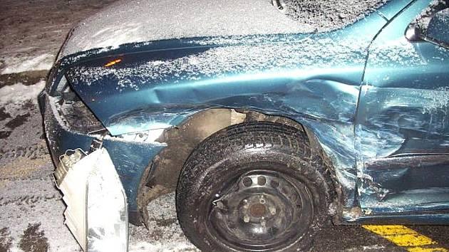 V pátek 18. prosince v 19.25 hodin došlo v Jablonci n. N. v Rýnovické ulici k dopravní nehodě.