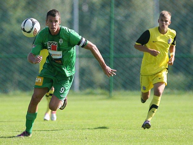 Jablonecká juniorka v úterý remizovala se Spartou Praha (ve žlutém) 1:1.