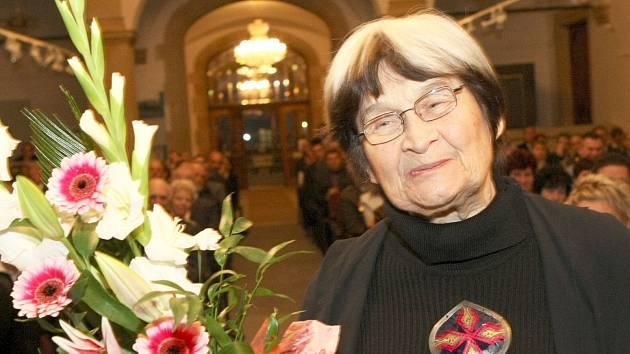Jaroslava Brychtová (*18. července 1924 + 8. dubna 2020).