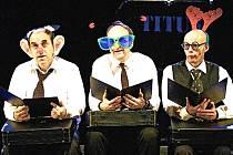 V komediálně laděné divadelní poctě velkému dramatikovi hrají  Jan Vondráček, Martin Matejka a Miroslav Táborský.