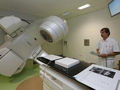 Lékařům pomáhá v boji s rakovinou moderní technika