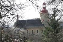 Kostel v obci Bzí na Železnobrodsku