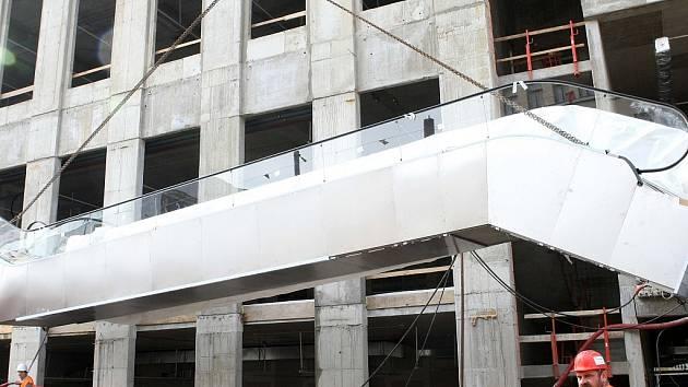 Stavba Obchodního centra Forum v Liberci v říjnu 2008.
