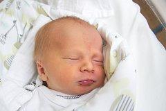 JAKUB VOLNÝ se narodil v úterý 9. ledna v jablonecké porodnici mamince Věře Menšíkové z Loužnice.  Měřil 46 cm a vážil 2,83 kg.