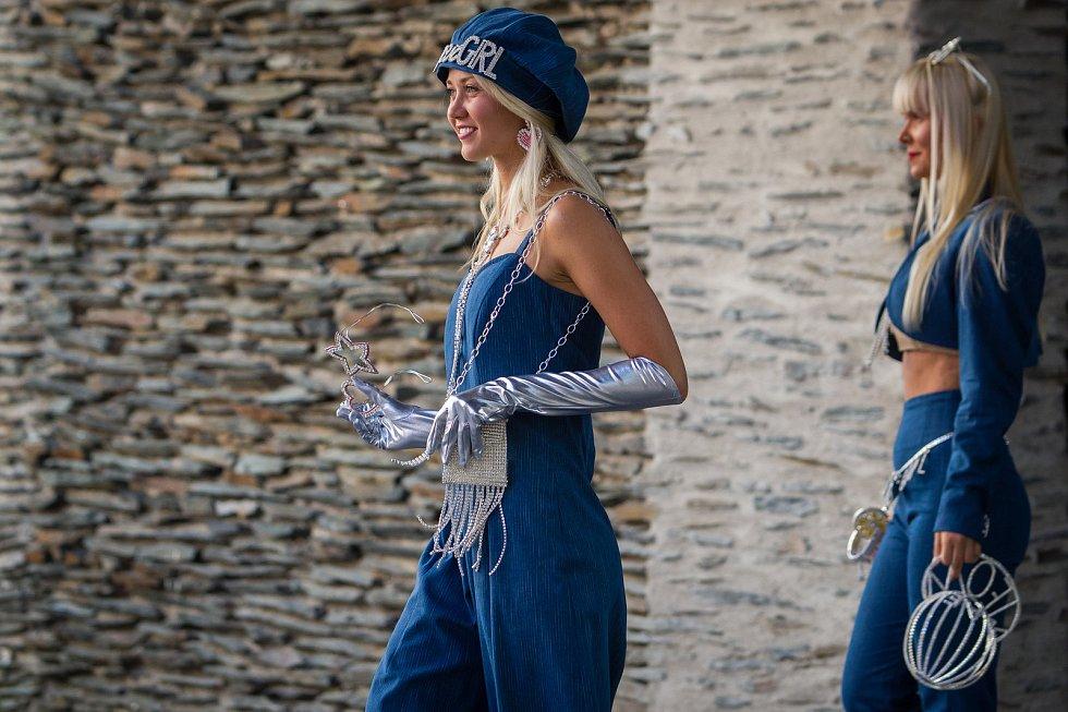 Šestý ročník prodejní výstavy skla a bižuterie Křehká krása 2017 začal 10. srpna v prostorách Eurocentra v Jablonci nad Nisou.