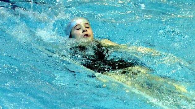 Základní škola Liberecká pořádala v městském bazénu v Jablonci druhý závod Outdoorového poháru žáků školy, učitelů i rodičů. Akce se zúčastnilo osmaosmdesát závodníků.