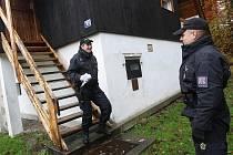 Vyšetřování krádeže v chatové oblasti. Ilustrační snímek.