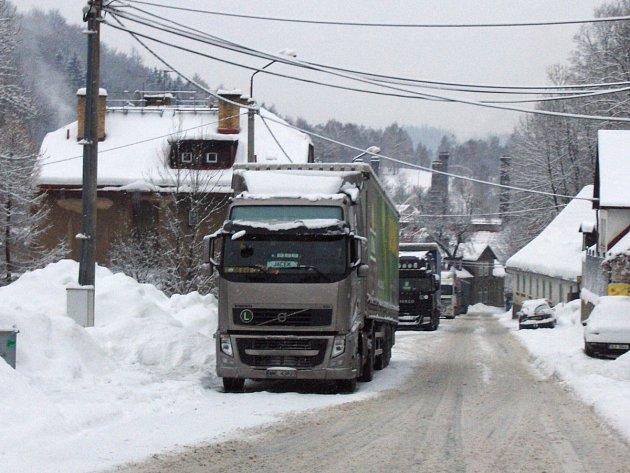 Stojící kamiony