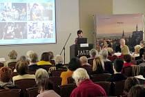 Jablonec na semináři prezentoval nejen zajímavosti kolem bižuterie, ale také kultury.