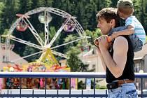 Na tradiční jarmark, kterým žije celé město, přijíždějí do Železného Brodu tisíce návštěvníků.