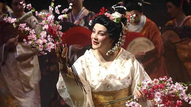 TITULNÍ ROLI Čo-čo-San v Pucciniho Madama Buterfly zpívá Valeria Vaygant.