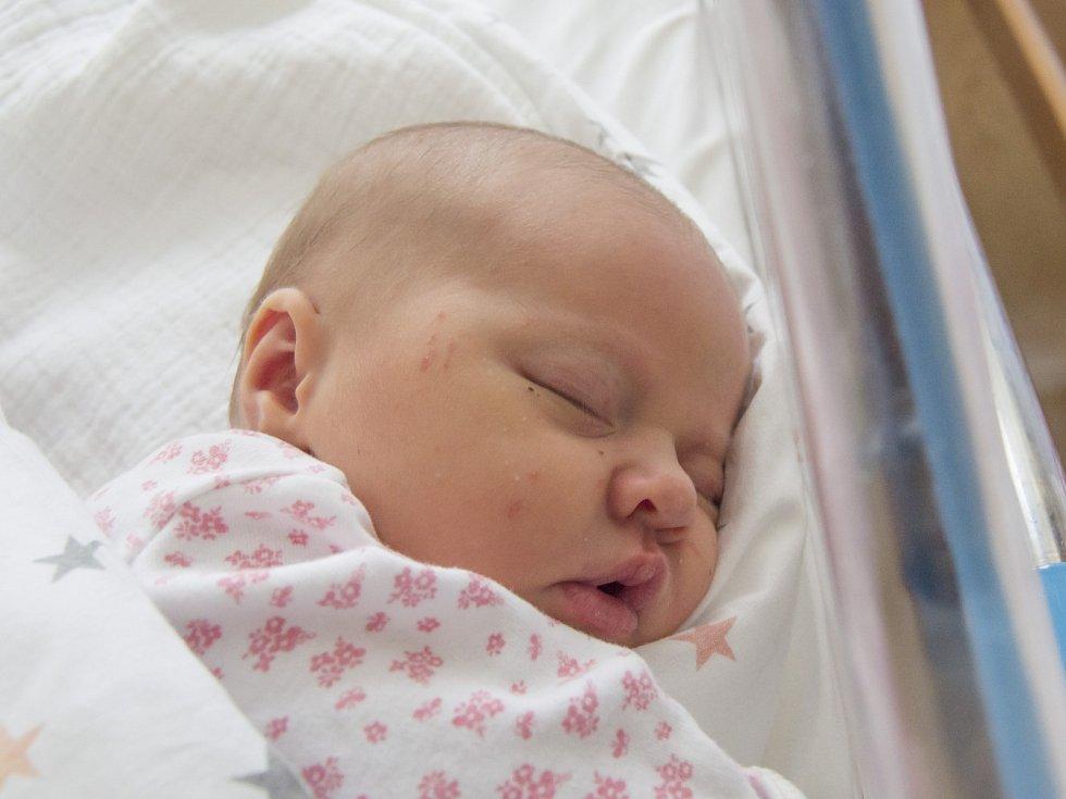 STELLA HRICKOVÁ se narodila v neděli 13. srpna mamince Petře Tomanové z Jablonce nad Nisou. Měřila 51 cm a vážila 3,57 kg.