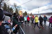 Silvestrovský běh kolem jablonecké přehrady Mšeno.