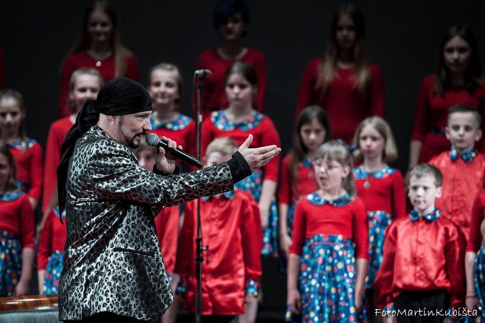 Koncert Bohuše Matuše v jabloneckém divadle.