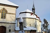 Valdštejn pod sněhem