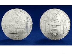 Česká mincovna začala v těchto dnech razit půlkilogramovou platinovou medaili s motivem Chrámu sv. Bartoloměje v Kolíně.