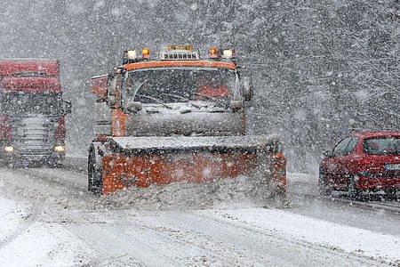 Na Josefa 19. března se sesypal na Liberecký kraj několikrát za den příval sněhu.
