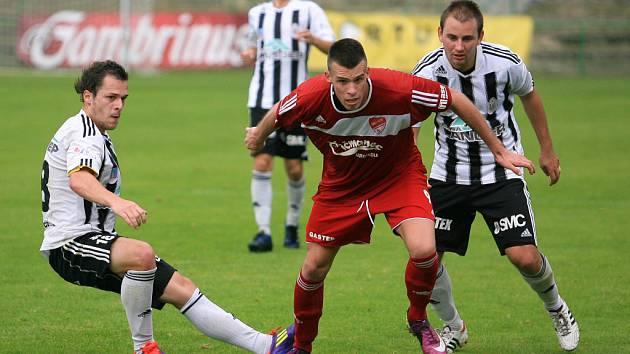 Jiskra Mšeno v divizi porazila Ústí nad Orlicí (v bílém) hladce 3:0.