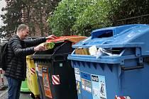 Ilustrační snímek. Popelnice na tříděný odpad.