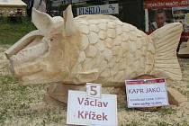NÁZEV DÍLA: Kapr jako... AUTOR DÍLA: Václav Křížek. VYVOLÁVACÍ CENA: 7.000,- (cena sochy: 13.000,-)