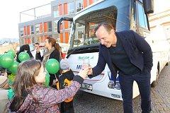Euroregion Tour 2014 - součástí byla i soutěž regionálních produktů a představení bezpečného autobusu s hercem Karlem Rodenem