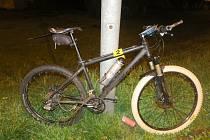 Cyklista v Jablonci vyrazil na kolo pod vlivem alkoholu. Na křižovatce havaroval
